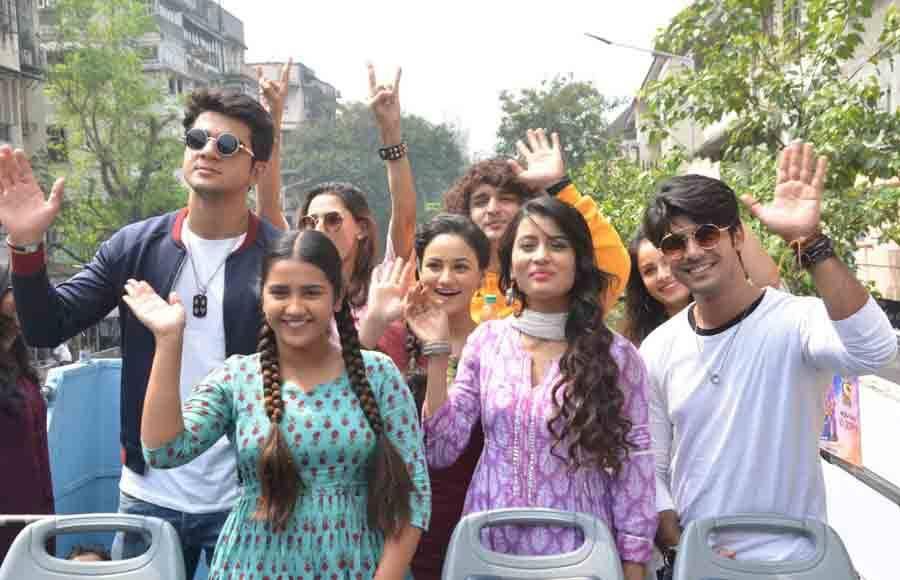 Dancer No. 1 contestants go for Mumbai Darshan