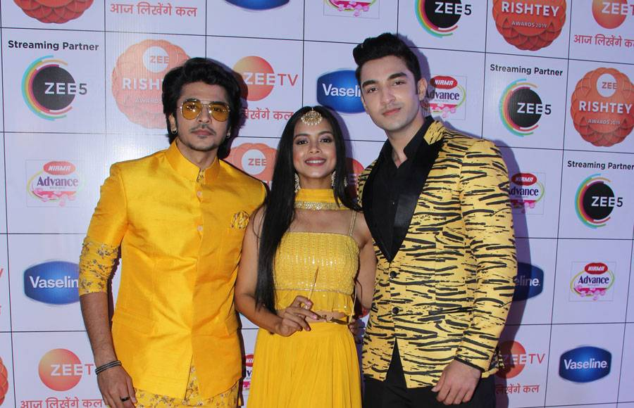 Celebs galore at Zee Rishtey Awards