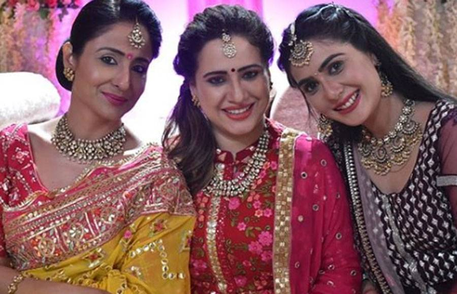 From the sets of Star Plus' Yeh Rishtey Hain Pyaar Ke