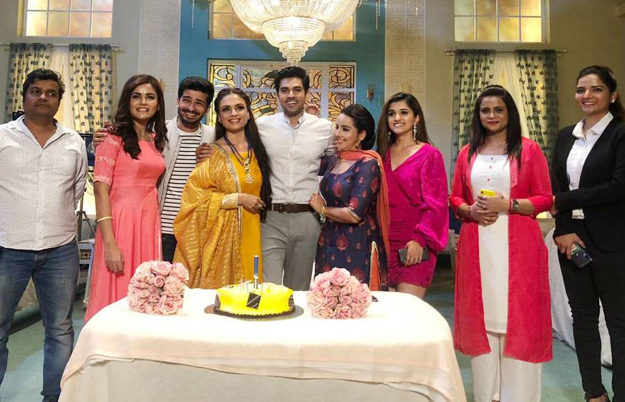 Harsh Nagar's birthday celebration on sets of Kartik Purnima