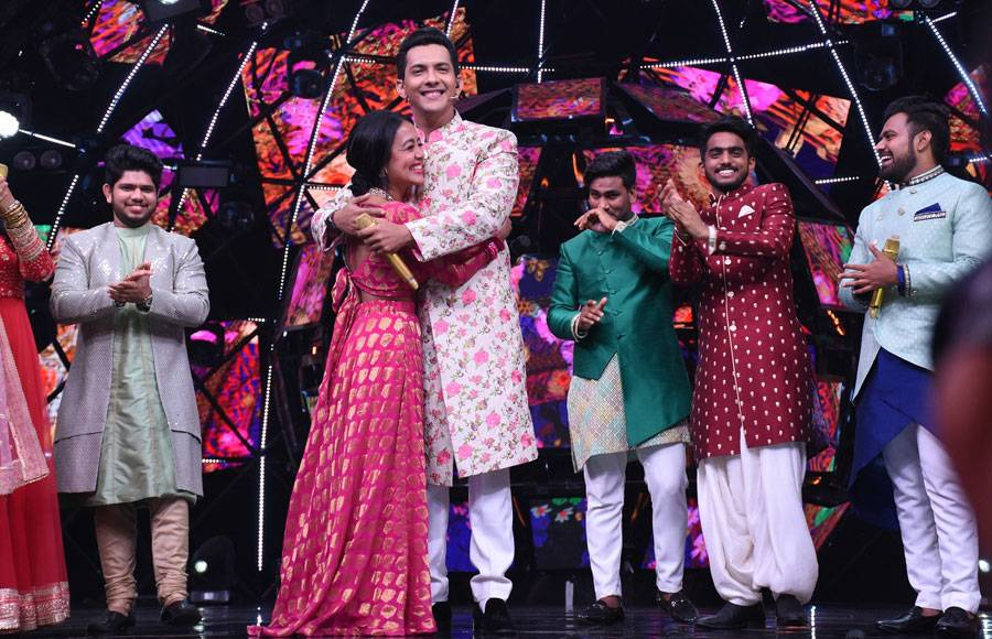 In pics: Neha Kakkar and Aditya Narayan's shaadi special in Indian Idol
