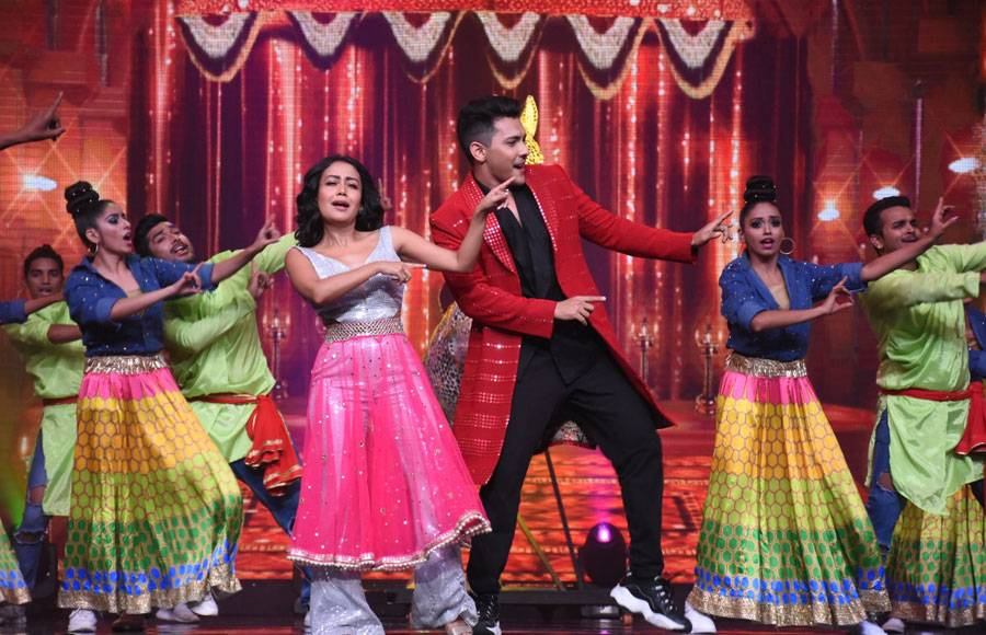 Check out the sizzling pictures of Aditya Narayan and Neha Kakkar's performance