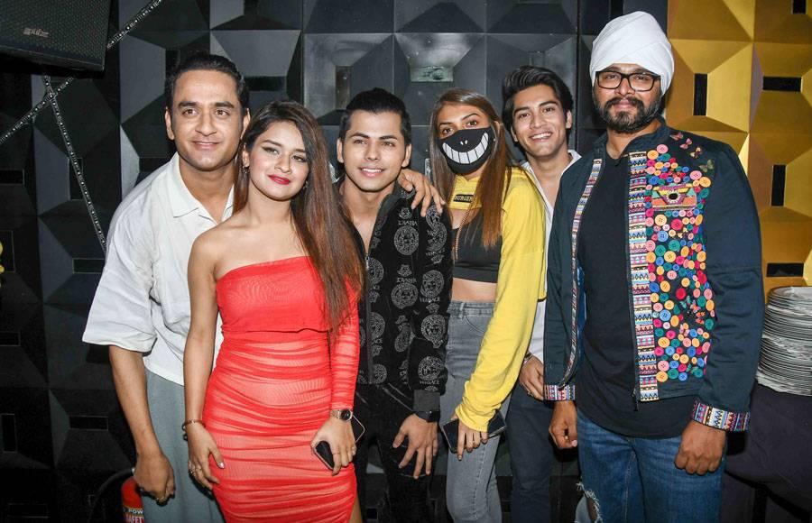 Vikram Nagi, Siddharth Nigam, Avneet Kaur, Ramji Gulati, Raj Chanana , Rapper MAC