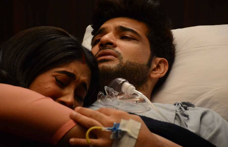 Have a look at the heartbreaking pictures of Ranveer in hospital from YRKKH