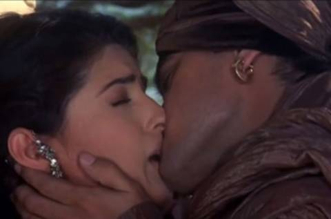 Juhi Chawla Hot Kisses